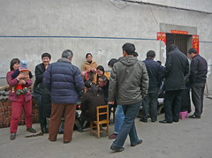 Card Players and Kibitzers (Wolfgang Bazer) Tags: kartenspieler kiebitze card players kibitzers poor country peoples quarter landbevölkerung wanderarbeiter wanderarbeiterviertel migrant workers hefei anhui china