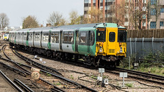 455842 (JOHN BRACE) Tags: 1982 brel york built class 455 emu 455842 seen east croydon station southern livery