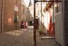 Hof Dordrecht (Tom van der Heijden) Tags: dordrecht eilandvandordrecht zuidholland merwede noord oudemaas straatje schommel brommobiel nauw