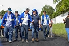 19.06.18 Prefeito vistoria obras de recapeamento na  estrada da Vivenda Verde
