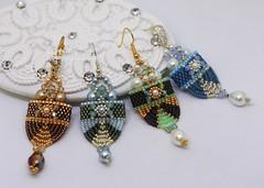 Chandra Carrier Beads Earrings (BeeJang - Piratchada) Tags: beadweaving beading beadwork carrier beads earrings earring tutorials patterns peyote miyuki delica jewelry handmade