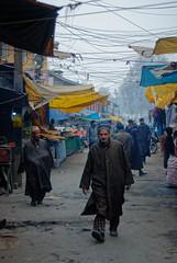 Hazratbal market (oli murugavel) Tags: kashmir street streetphotography streetwalk people jammuandkashmir olimurugavel 50mm nikon d80