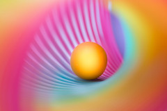 Zentrum (SonjaS.) Tags: circle kreis rund murmel farben colors regenbogenspirale spirale zentrum mitte macro sonjasayer 100mm flickr