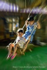 歡樂童年 (Benz Yu) Tags: 人像 兒童 盪鞦韆 味衛佳柿餅 童年 sigma50mmf14art 女童 鞦韆