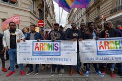 Alerte... (PASCAL.VAN) Tags: protest paris manifestation street people
