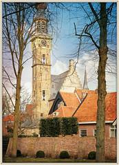 Beffroi et Hôtel de ville, Veere, Walcheren, Zeelande, Nederland (claude lina) Tags: claudelina nederland paysbas hollande zeeland zélande veere architecture beffroi
