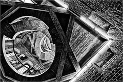 .... (NsSuR_Potsdam) Tags: nssur nikond700 architecture stairway bw oldstuff