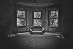 Couch SW (SchuhSchone) Tags: verlasseneorte lostplaces verlassen leave spuk spook alt old geist geister ruine ruin