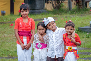 Smiles of angels....Sourires d'anges..Bali