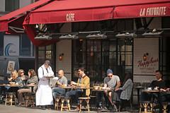 Rue de Rivoli - Paris (France) (Meteorry) Tags: europe france idf îledefrance paris ruederivoli ruemahler terrace terrasse lafavorite people waiter serveur morning matin café bistrot brasserie restaurant happyhour sunny ensoleillée paril 2018 meteorry