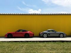 911 Carrera GTS - Cayman 987 (stecker.rene) Tags: cars car automobil auto hangar yellow blue sky porsche sports mirror carrera gts porschecarreragts cayman porschecayman 987 9871 2014 cabrio cabriolet coupé