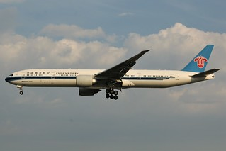 Here is China Southern Airlines B-2009