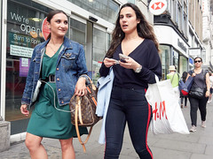 20180619T14-39-27Z-_6195154 (fitzrovialitter) Tags: england gbr geo:lat=5151546000 geo:lon=014003000 geotagged oxfordcircus unitedkingdom westendward peterfoster fitzrovialitter city streets rubbish litter dumping flytipping trash garbage urban street environment london streetphotography documentary authenticstreet reportage photojournalism editorial captureone olympusem1markii mzuiko 1240mmpro ultragpslogger geosetter exiftool girl