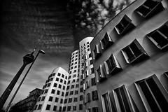 Medienhafen Düsseldorf (jo.misere) Tags: germany duitsland gehry frank architectuur lowkey düsseldorf funkturm