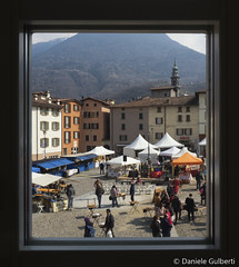 finestra sulla fiera (danielegulberti) Tags: breno spongada villa