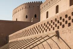 Geometrie e ombre (veronica_zaru) Tags: geometria ombre architettura iran bam restauro terra cittadella