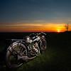 s7 - Objet des années 1920 (damiencantarelli) Tags: sunset moto motocycle soyer strobist coucher de soleil ancienne dusk