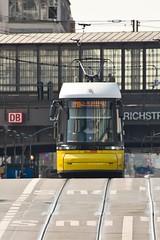 M10 in der Friedrichstraße (M. Schirmer Berlin) Tags: deutschland berlin germany mitte strasebahn tram m10 flexity friedrichstrase chausseestrase 2am kupfergraben umleitung bvg