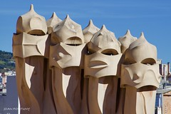 The Guardians (Joan Fortuny) Tags: gaudi barcelona