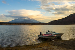 Idyllic (BoXed_FisH) Tags: sony1635mmvariotessartfef4zaoss sonyzeiss1635f4oss asia fujisan kawaguchiko lake landscape mountfuji mountain mtfuji sel1635z shoji shojiko sony sonya7 sonyzeiss travel volcano wide wideangle minamitsurugun yamanashiken japan jp water boat