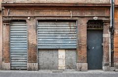 Rue Pargaminières, Toulouse (Ivan van Nek) Tags: ruepargaminières toulouse 31 france hautegaronne midipyrénées occitanie doorsandwindows ramenendeuren architecture architectuur frankreich frankrijk