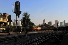 I_B_IMG_9208 (florian_grupp) Tags: southeast asia thailand siam thai train railway railroad srt staterailwayofthailand metregauge metergauge bangkok krungthep station mainstation hualumpong hualamphong diesel loco locomotive alsthom krupp ge generalelectric