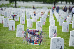 Memorial Day Weekend 2018 (Arlington National Cemetery) Tags: arlingtonnationalcemetery anc va virginia usa memorialflowers memorialday section60 arlington