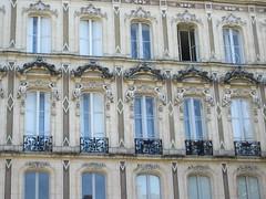 Detail of facade, Maison Dorée, Cours Victor Hugo, Bordeaux, France (Paul McClure DC) Tags: bordeaux france gironde july2017 nouvelleaquitaine historic architecture sculpture