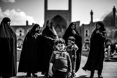 Nagsheh jahan, Isfahan, Iran 2018 (PaxaMik) Tags: iran perse isfahan ispahan travel travelinginiran nagheh jahanvoilefoulard voileislamique silhouettes mosquée noiretblanc noir n§b black blackandwhitephotos
