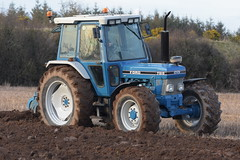Ford 7810 Tractor with a Fiskars 4 Furrow Plough (Shane Casey CK25) Tags: ford 7810 tractor fiskars 4 furrow plough cnh nh blue castlelyons casenewholland newholland traktor trekker traktori tracteur trator ciągnik county cork crop crops ireland irish farm farmer farming agri work working land field stubble machinery horsepower hp horse power pull pulling nikon d7200 machine cereals ploughing ploughed turningsod turning sod soil earth till tilling tillage dirt ground grow growing cereal agriculture