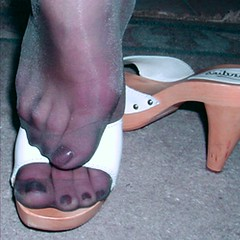 (pbass156) Tags: nylon nylons pantyhose hose silky sandals sexy shoes strappy sandalias slides mules toefetish t s