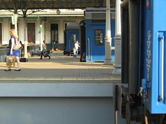 Mосква ins blau (hakzelf) Tags: triple perronkap trainidentity belarusrailways bch бч вокзал vokzal платформа rzd platform москва moscow traindoors parking