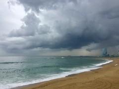 """Cuadro marino"" (atempviatja) Tags: maritimo paseo playadelsomorrostro barcelona cielo arena tormenta playa mar nubes color"