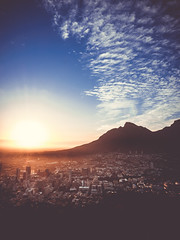 {Mother City} (davYd&s4rah) Tags: sonnenaufgang sunrise sun rise mothercity capetown pov hills tablemountain tafelberg city stadt cityscape landscape horizon buildings architecture southafrica südafrika clouds sky himmel wolken atmosphere olympus em10markii m1240mm f28 olympusm1240mmf28 ƒ110 wideangle weitwinkel signalhill dreams rza wideview weitblick mutterallerstädte mum