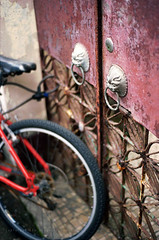 Saturday walk (Steve only) Tags: nikon fa nikkor ais 50mm 118 5018 f18 kodak pro image 100 film epson gtx970 v750 snaps bike bicycle door