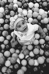 Rain (Jonas Hösler) Tags: kid niño infancia infant infancy childhood portraits portrait child children balls circles baby babies blackandwhite blackwhite blackandwhiteportraits blackandwhitephotography black white babyportrait babyportraits kidportrait