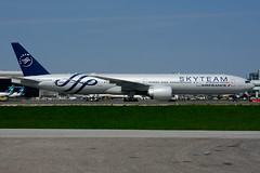 F-GZNN (Air France - SKYTEAM) (Steelhead 2010) Tags: airfrance skyteam boeing b777 b777300er yyz freg fgznn