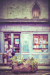 Librairie Septentrion (Ro Cafe) Tags: bretagne france saintmalo facades storefront showcase street urban city town vintage old textured nikkor2470f28 nikond600