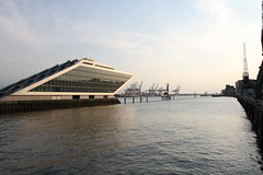 Hamburger Hafen 2018 - Dockland (www.sommer-in-hamburg.de) Tags: hafen altona abenddämmerung dockland hamburg mai frühling hitzewelle