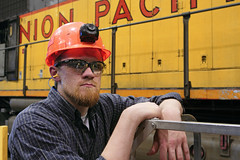 Young boilermaker (Moffat Road) Tags: unionpacific up shop locomotiveshop downingbjenksshop jenksshop jenks railroad northlittlerock arkansas ar boilermaker emd sd402 3071 rebuild overhaul hardhat safetyglasses