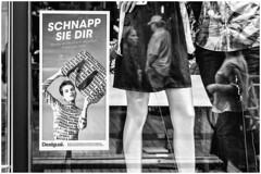 Get her... (Ody on the mount) Tags: anlässe em5ii fototour heidelberg omd olympus reflexionen schaufenster sommerschule spiegelung workshop bw monochrome sw badenwürttemberg deutschland de