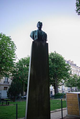 Statue of Myron Herrick