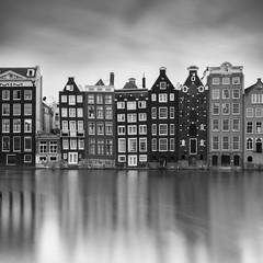 Straight Construction (frank_w_aus_l) Tags: amsterdam gracht city reflection water monochrome sw noiretblanc cityscape pce shift nikkor nikon d810 charm sky longexposure bw square noordholland niederlande nl