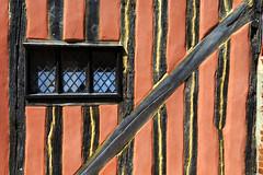 Lavenham, Suffolk (Boganeer) Tags: lavenham suffolk england unitedkingdom beam tudor canon canoneos canon6d house building pattern stripe window suffolkpink pink
