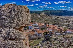 CASTELL DE CABRES (juan carlos luna monfort) Tags: castello castellon baixmaestrat bajomaestrazgo pueblo poble roca piedra cieloazul nubes nikond7200 tokina1116 calma paz tranquilidad hdr