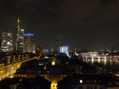 201803047 Frankfurt (Main) (taigatrommelchen) Tags: 20180312 germany frankfurt river main bridge nightk icon city building tower skyline