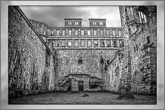 Heidelberg Palace (Dieter Meyer) Tags: heidelberg schloss schlossheidelberg heidelbergpalace badenwürttemberg deutschland germany ruine 2000 dietermeyer schwarzweis bw mauer lostplace