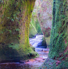 The Devil's Pulpit, Scotland (iammattdoran) Tags: scotland glasgow beauty stunning landscape water stream river flow green moss living fairytale fairy glen devil pulpit canyon gorge natural beaten track travel adventure