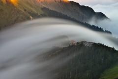 合歡山.武嶺~雲瀑~  Cloud fall (Shang-fu Dai) Tags: 台灣 taiwan 合歡山 主峰 3417m 武嶺 3275m 雲海 seaofclouds sunset mthehuan nikon d800e afs24120mmf4 夕陽 landscape 南投 formosa 雲瀑 cloudfall 風景 霧