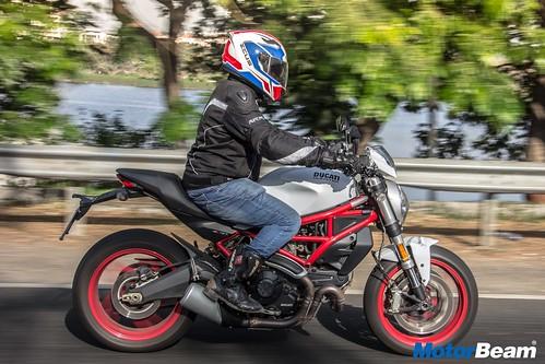 Ducati-Monster-797-08